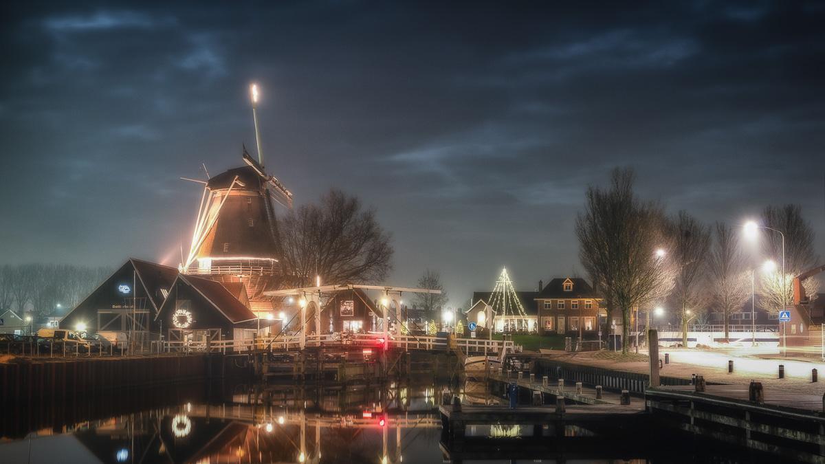 Harderwijk - Haven en Molen in avondlicht